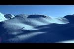 Fuga do casal esquiando