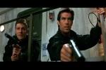 Bond invade uma base russa ao lado do amigo Alec